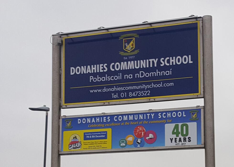 Donahies-Exterior-Sign_980x700